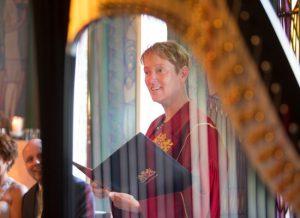 Harpspel door bruiloftsharpiste Nanja Bakker tijdens ceremonie in hotel The Grand